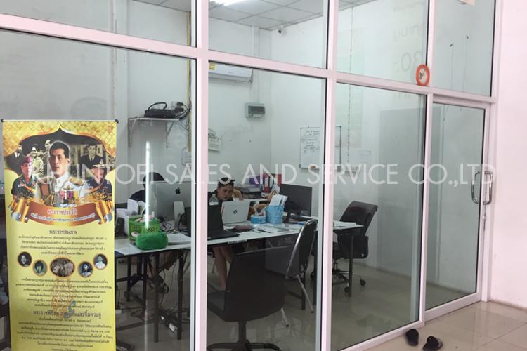บริการรับออกแบบและรับติดตั้งกระจกอลูมิเนียมทุกชนิด งานกั้นห้องกระจก กั้นห้องยิปซั่มบอร์ด