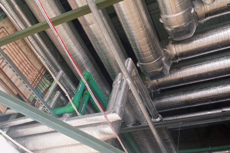 บริการรับเหมางานหุ้มฉนวน งานหุ้มท่อ งานเดินท่ออุตสาหกรรม แพลทฟอร์ม งานเดินท่อในอาคาร